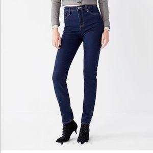 Urban Outfitters BDG Girlfriend High-Rise Jean